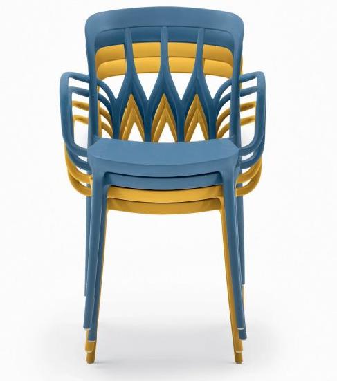 Фото №24 - Топ 15: штабелируемые стулья и мебель