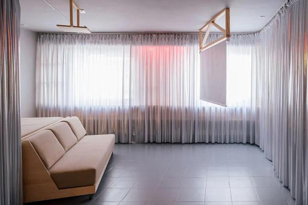 Фото №5 - Симфония цвета: маленькая многофункциональная квартира в Мадриде