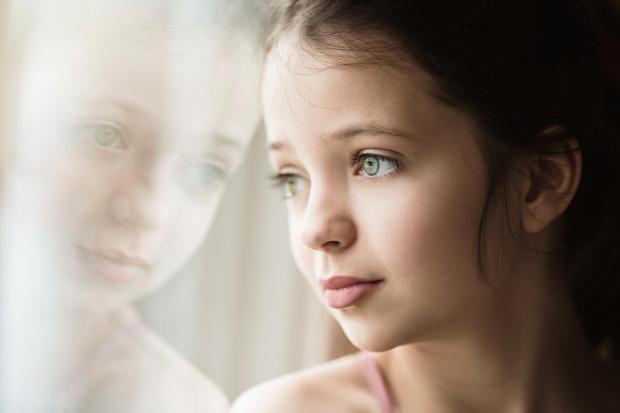 Фото №1 - «10-летняя дочь плачет по любому поводу— ничего не могу поделать»