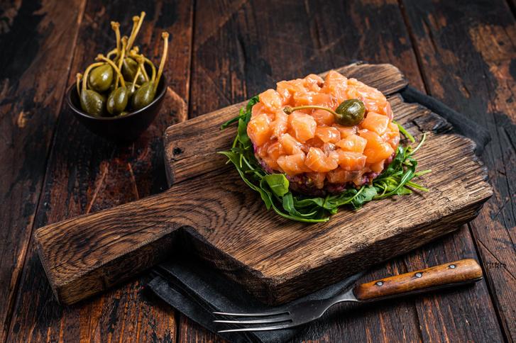 Фото №2 - Тартар из лосося: секреты приготовления и рецепт