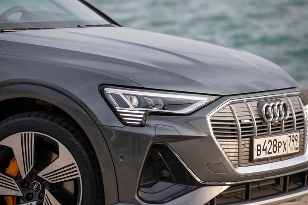 Фото №20 - Элегантный дизайн прогрессивных технологий: новый полностью электрический SUV Audi e-tron Sportback