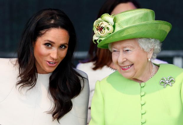 Фото №1 - Странная история: действительно ли Меган не обучали королевскому протоколу