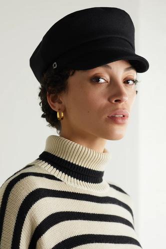 Фото №12 - Шапки, береты и кепки: самые модные головные уборы осени и зимы 2021/22