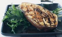 Жареные баклажаны с имбирем и заправкой мисо