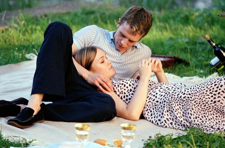 Фото №33 - Как в «Золушке»: 16 фильмов о любви популярного парня и обычной девчонки