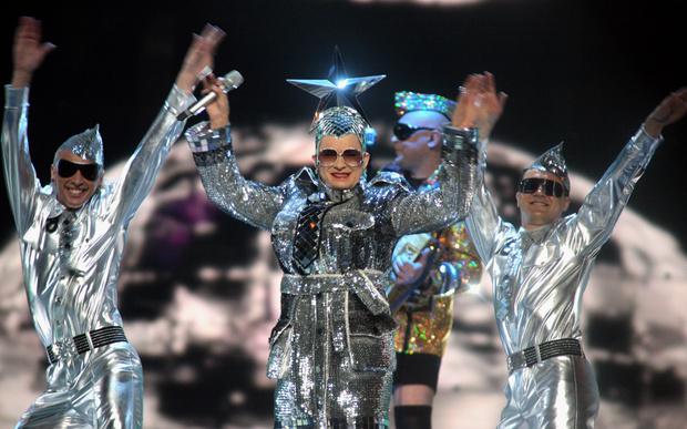 Фото №4 - 10 нелепых нарядов участников «Евровидения»
