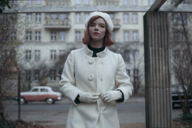 Фото №13 - Шах и мат: почему «Ход королевы»— самый стильный сериал 2020 года