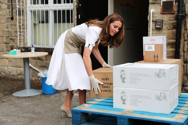 Фото №2 - Осторожнее, Кейт: критики советуют Миддлтон не затмевать Уильяма, чтобы не повторить историю Дианы