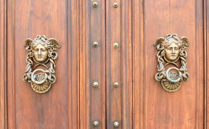 Фото №6 - Почетные стукачи: итальянские дверные молотки