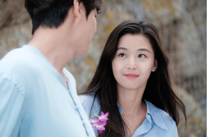 Фото №1 - В Сети появился слух о разводе Чон Чжи Хён из «Легенды синего моря» 🤨