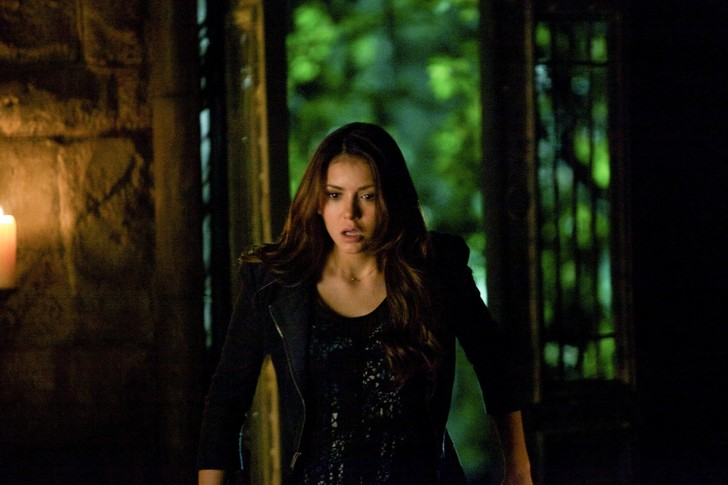 Фото №8 - «Дневники вампира»: ты удивишься, как сильно отличается Елена в сериале от Елены в книгах 😱