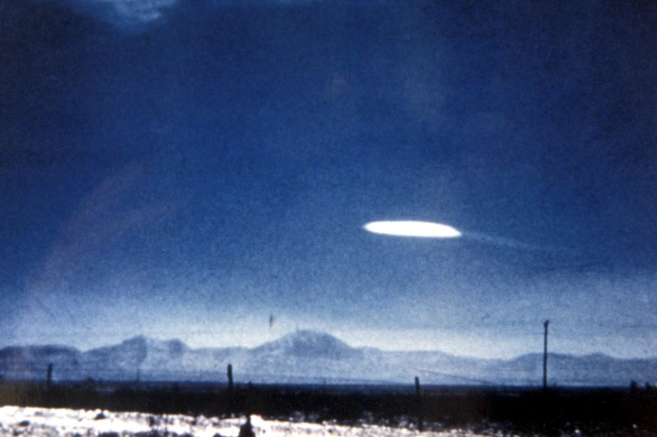 Фото №1 - Разведка США обнародовала краткий отчет о встречах с НЛО за 17 лет