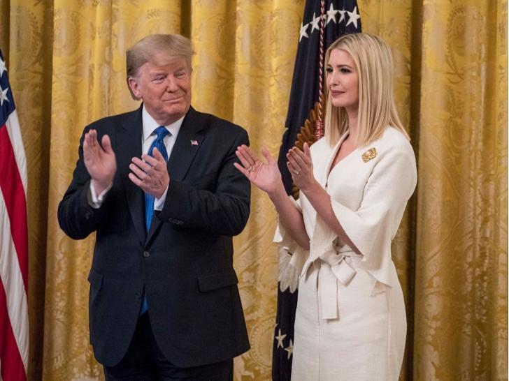 Фото №4 - Изгой или светская дама: какое будущее ждет Иванку Трамп после Белого дома