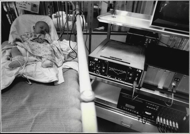 Фото №3 - «Муж выл в ванной, уткнувшись в полотенце сына»: истории женщин, чьи дети внезапно умерли во сне