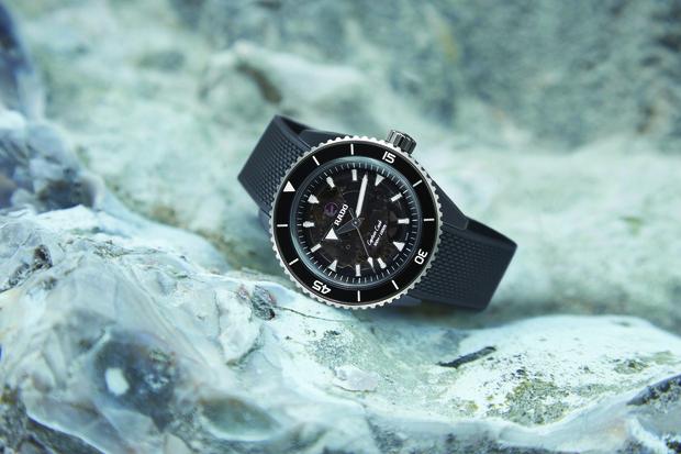 Фото №5 - Культовая модель часов Rado впервые выполнена полностью из высокотехнологичной керамики