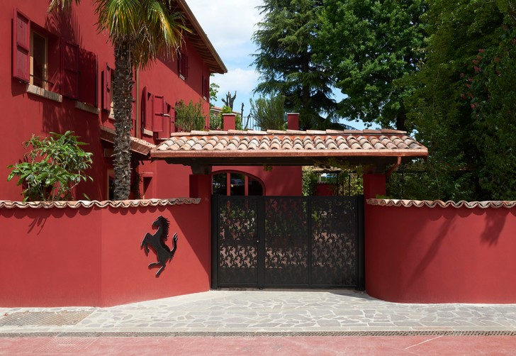 Фото №1 - Обновленный ресторан Cavallino в штаб-квартире Ferrari: проект Индии Мадави