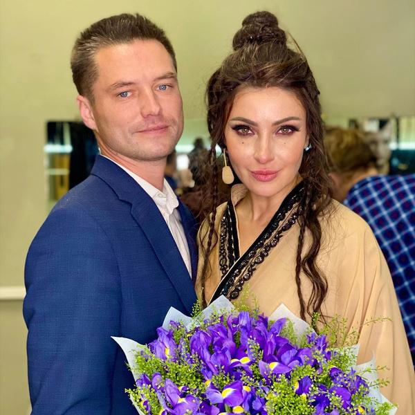 Фото №1 - Вижу цель: сын жениха Макеевой приехал к отцу и его возлюбленной