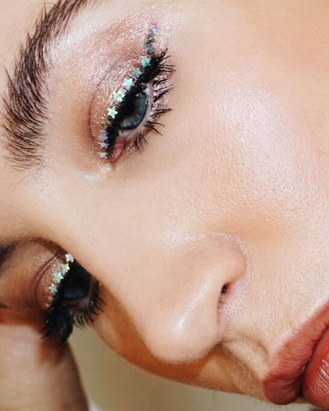 Фото №4 - Нескучный макияж на каждый день: 8 лучших идей✨