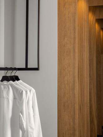 Фото №9 - Магазин мужской одежды по проекту Norm Architects