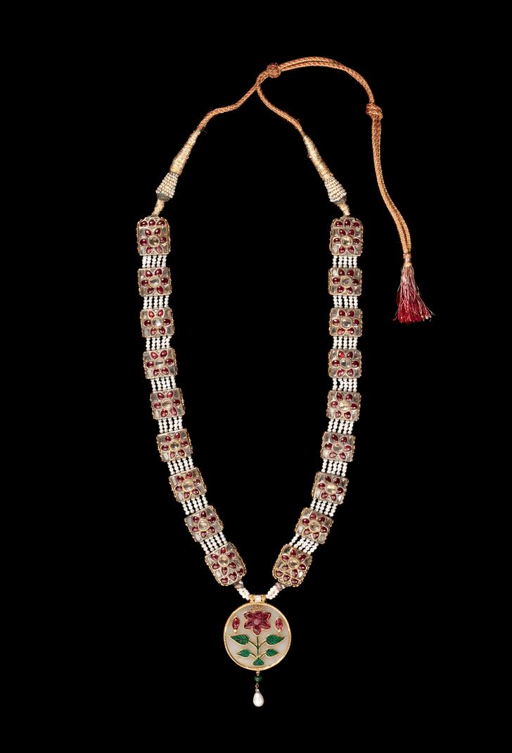 Фото №2 - Историческая коллекция Cartier и ювелирное искусство Х—XIX веков на выставке в Эрмитаже