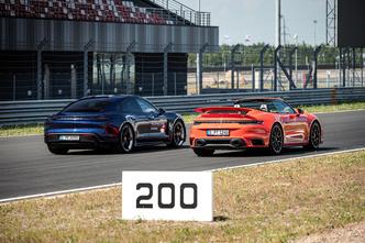 Фото №4 - Успеть за четыре часа: как Санкт-Петербург принял Porsche World Road Show
