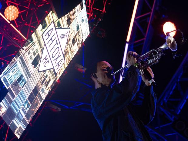 Фото №1 - Планы на лето 2021: лучшие фестивали Москвы и Санкт-Петербурга, которые нельзя пропустить