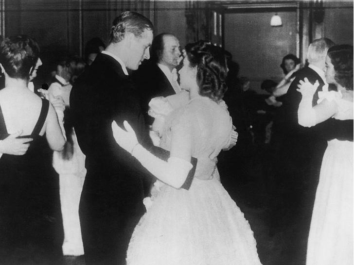 Фото №3 - Дневники принцессы: как юная Елизавета потеряла голову от принца Филиппа