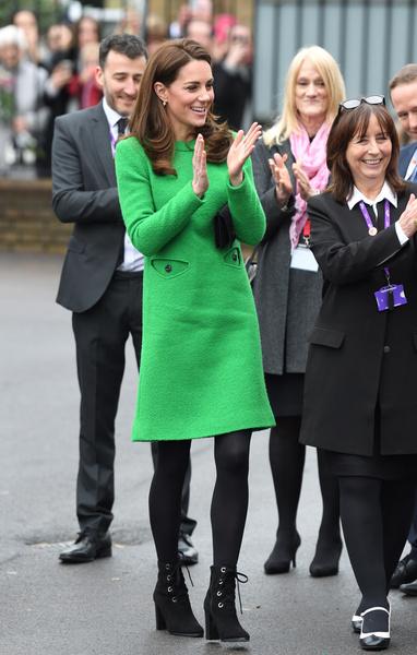 Фото №1 - «Злое» платье Кейт Миддлтон стало поводом для шуток