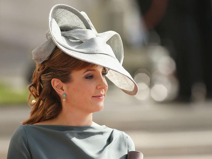 Фото №1 - Скромное платье, беременная невеста: как прошла свадьба бывшей принцессы Люксембурга