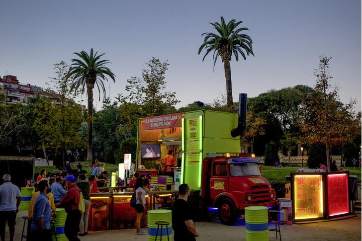 Фото №1 - Чем кормить испанцев: как исколесить с фуд-траком всю Испанию
