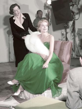 Фото №25 - Княгиня, актриса, дива: образы Грейс Келли, которые вошли в историю