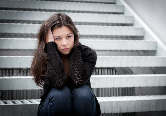 Фото №1 - Почему возникают головные боли у подростков?