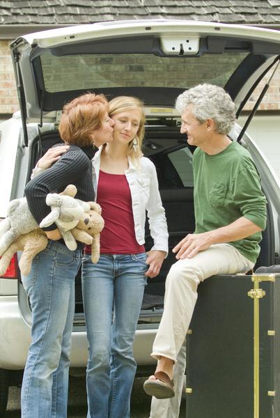 Фото №1 - Как уговорить родителей отпустить тебя в поездку с подругой: 5 лучших приемов