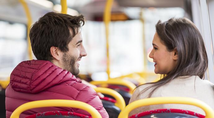 Англичанка два года искала парня, который понравился ей в автобусе