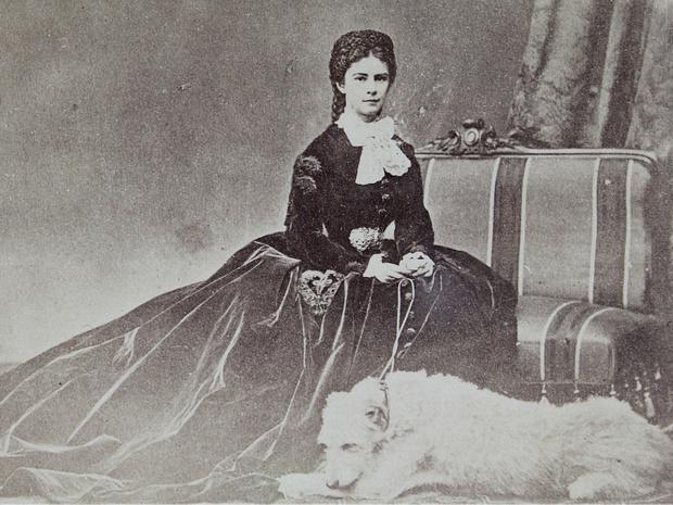 Фото №7 - Баварская роза: история Елизаветы Австрийской— самой красивой и несчастной императрицы Европы