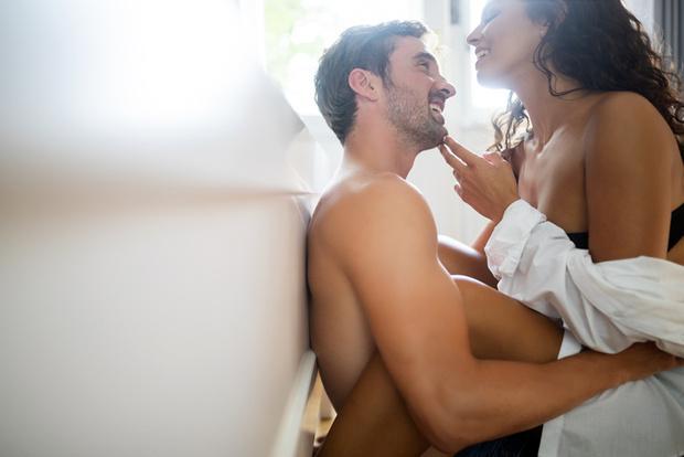 Секс с медленным раздеванием партнеров