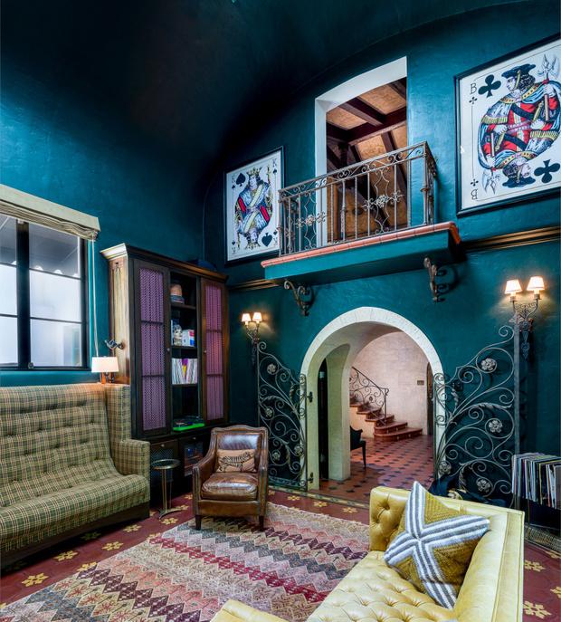Фото №10 - Леонардо ди Каприо купил дом для мамы