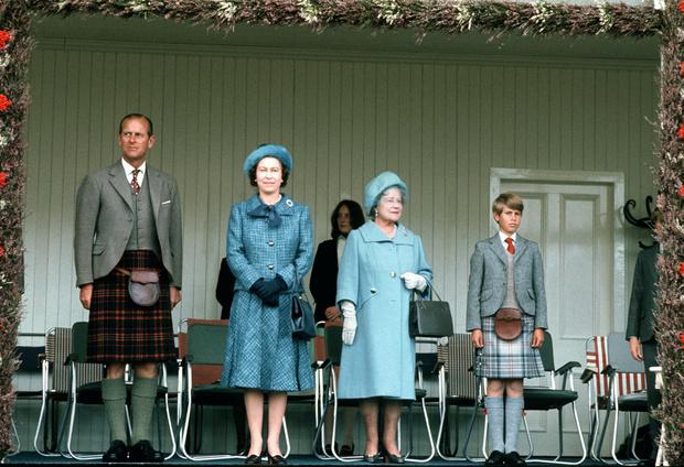 Фото №2 - Дресс-код королевских мужчин: как килты оказались в гардеробе Виндзоров