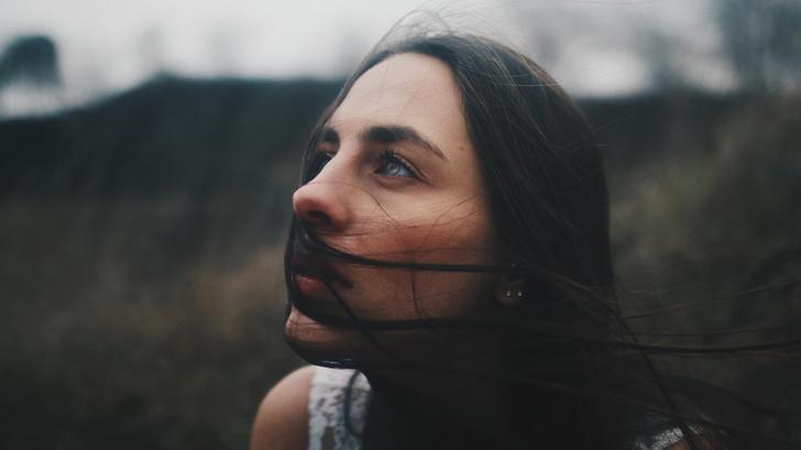 Фото №1 - Психологическое насилие: 11 признаков, что тобой нагло манипулируют