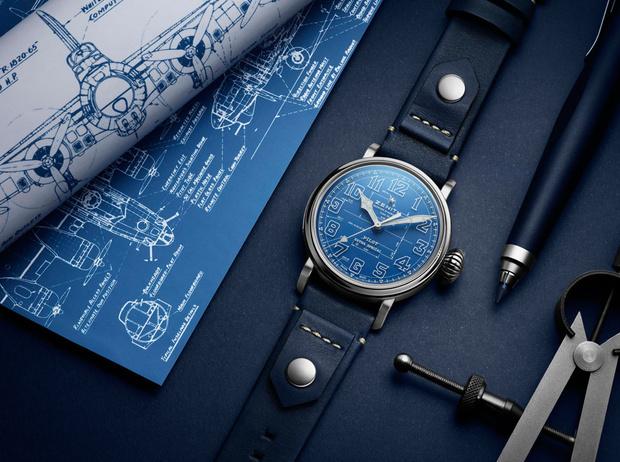 Фото №1 - Глубокий синий: бренд Zenith представил новинку в самом модном цвете года