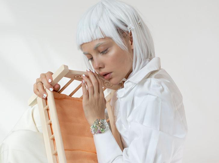 Фото №1 - Новое искусство: как выглядят часы Swatch из коллаборации с Эллен Шейдлин