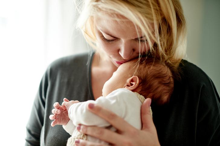 Фото №1 - Ученые: материнство делает женщину старше на 11 лет