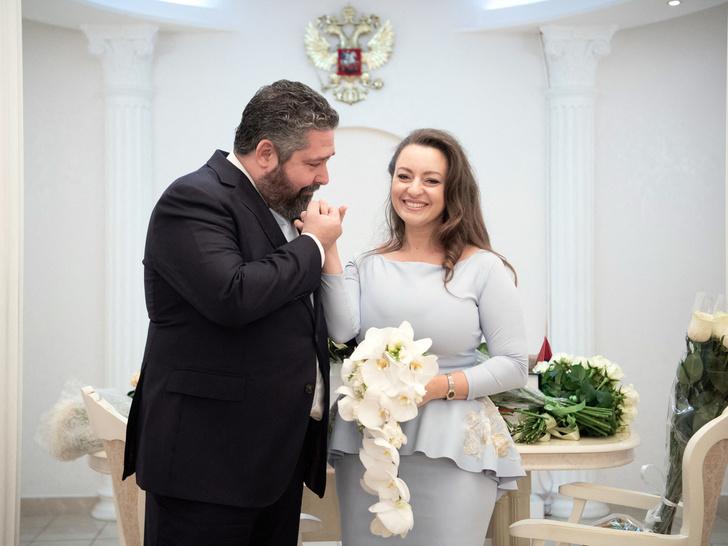 Фото №1 - Невеста в голубом, хохлома и водка: первый день свадьбы великого князя Георгия Романова