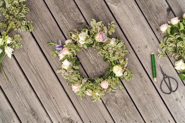 Фото №1 - Благоухающая цветочная композиция: делаем украшение для дома своими руками