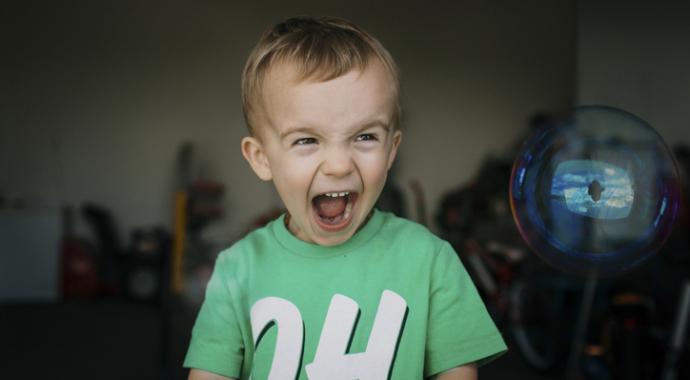 Ребенок злится — как правильно реагировать
