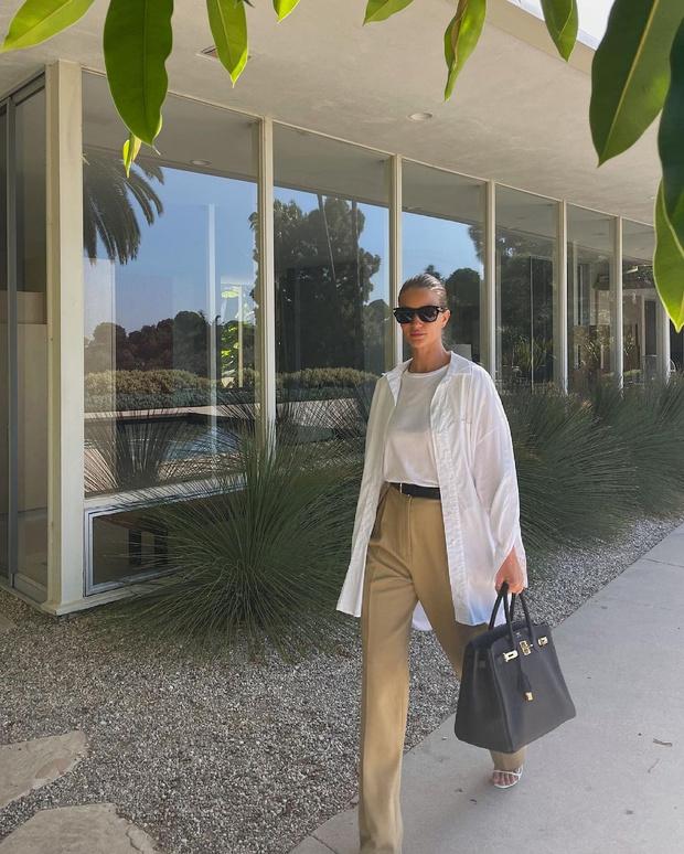 Фото №1 - Белая рубашка + широкие брюки: формула безупречного образа от Роузи Хантингтон-Уайтли