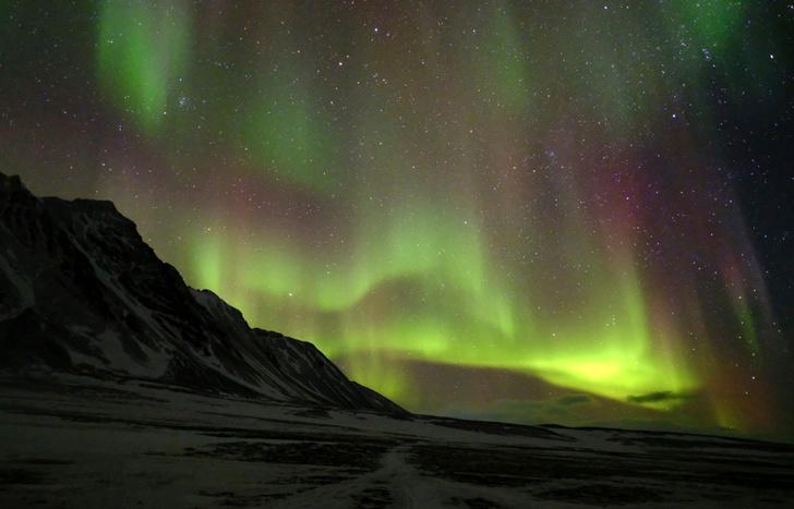 Фото №1 - Физики определили, как возникают полярные сияния