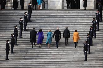 Фото №9 - Иванка плакала, Трамп обещал вернуться: как Джо Байдена посвящали в президенты