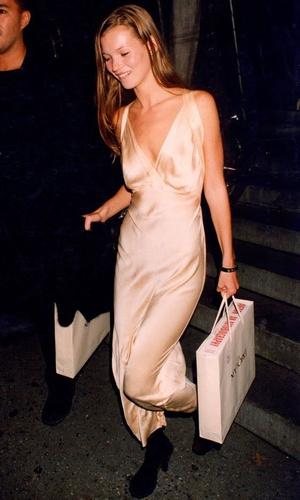 Фото №2 - Звезды, которые 20 лет назад одевались так круто, как многие не смогут и сегодня