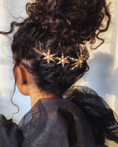 Фото №1 - Укрощение строптивых: 8 бьюти-хаков для кудрявых волос